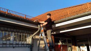 Dienstleister und Hausmeisterservice Kaufmann bei Penny zur Reparatur